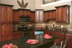 Mocha Glaze kitchen cabinets
